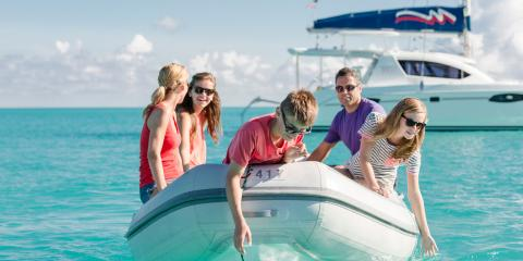 Family sailing in Bahamas