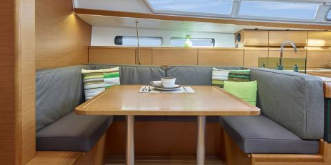Mooring 419 sitting area